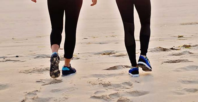8 Best Shoes For The Beach Walking