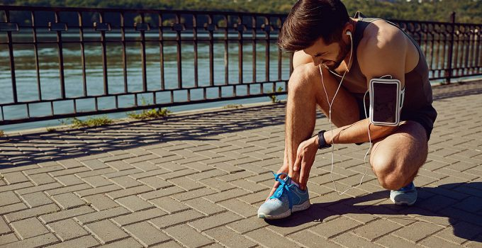 8 best running shoes for metatarsal fracture