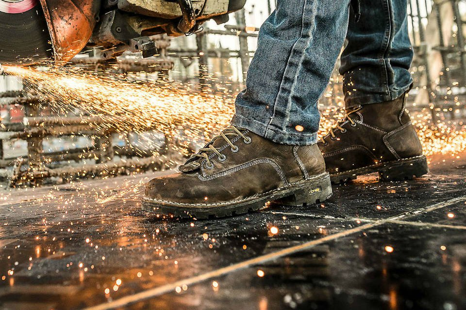 How To Buy The Best Shoes/Boots For The Construction Work?