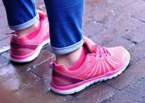 How To Buy The Best Women Walking Shoes For Wide Feet?