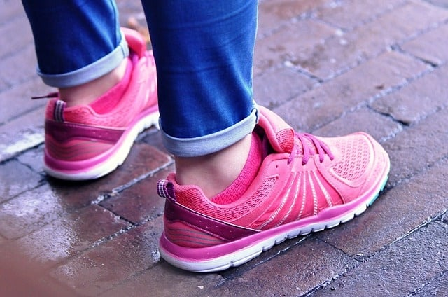 How To Buy The Best Women Walking Shoes For Wide Feet